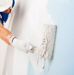 Comment peindre un mur sans déborder sur le plafond ?
